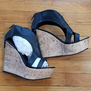 NEW Sz10 black faux leather cork wedge